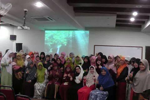 Foto bersama peserta seminar FLP JB